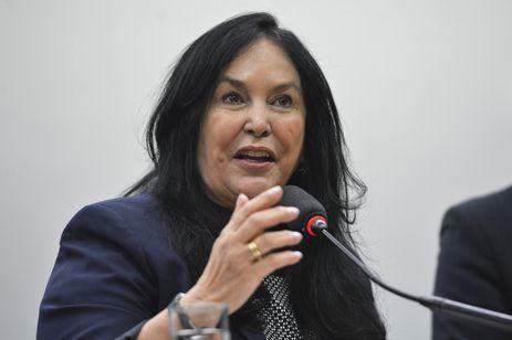Brasília-Presidente da CMO, deputada Rose de Freitas e o relator, Ricardo Teobaldo, falam sobre o rito de apreciação do relatório do TCU que rejeitou as contas da presidenta Dilma(Fabio Rodrigues Pozzebom/Agência Brasil)